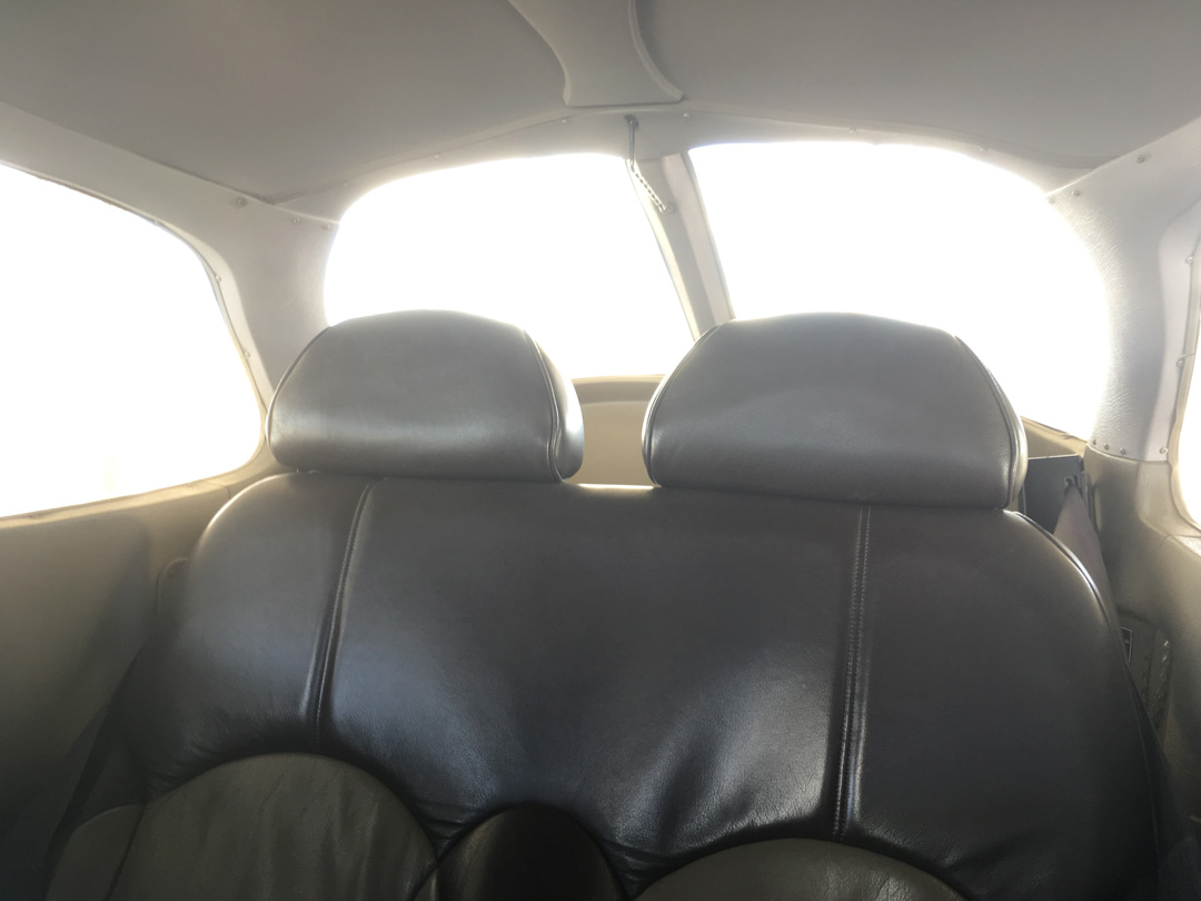 rear_seats_upper.jpg